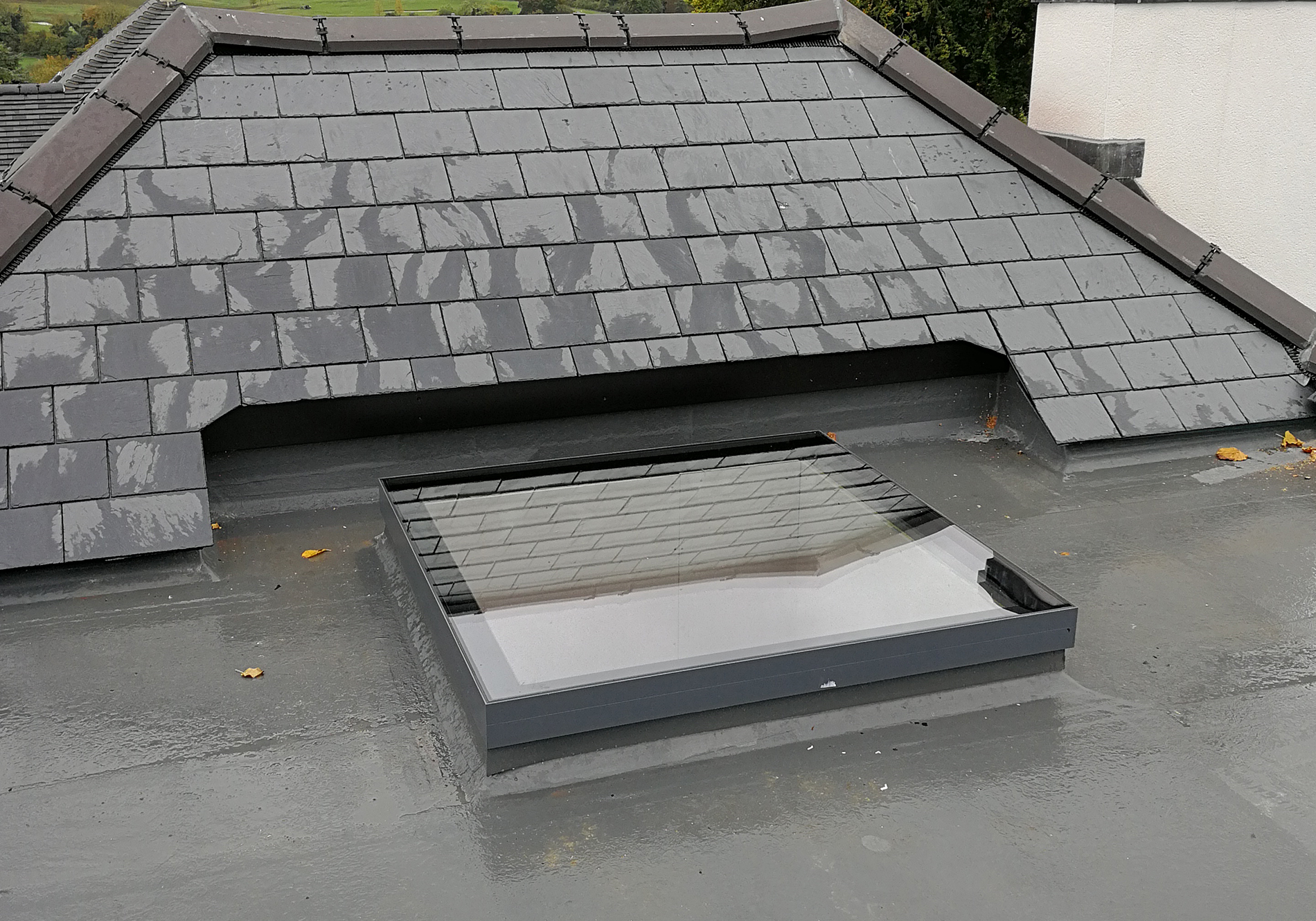 leatherhead exact flat roof light 03