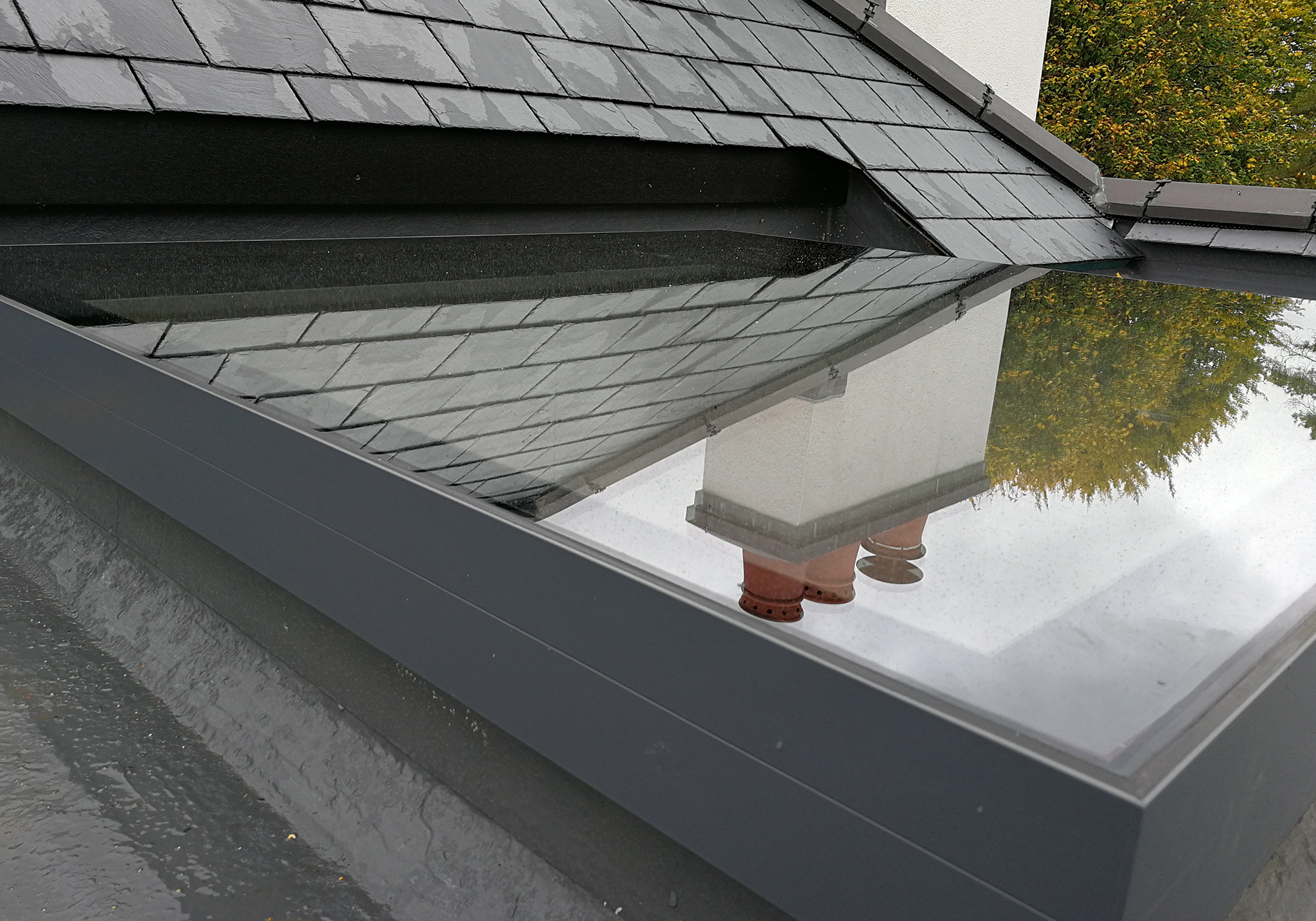 leatherhead exact flat roof light 04