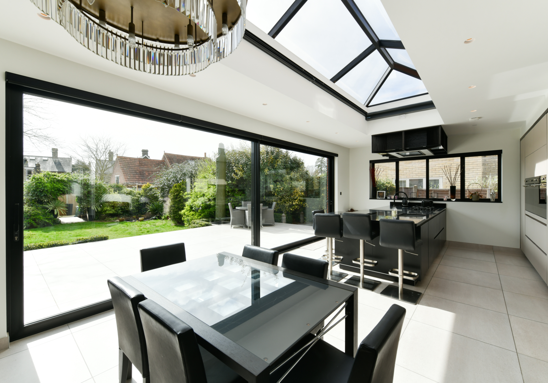 Colchester rear extension featuringGlide S sliding Doors, Aluminium Roof Lanterns and Aluminium Windows