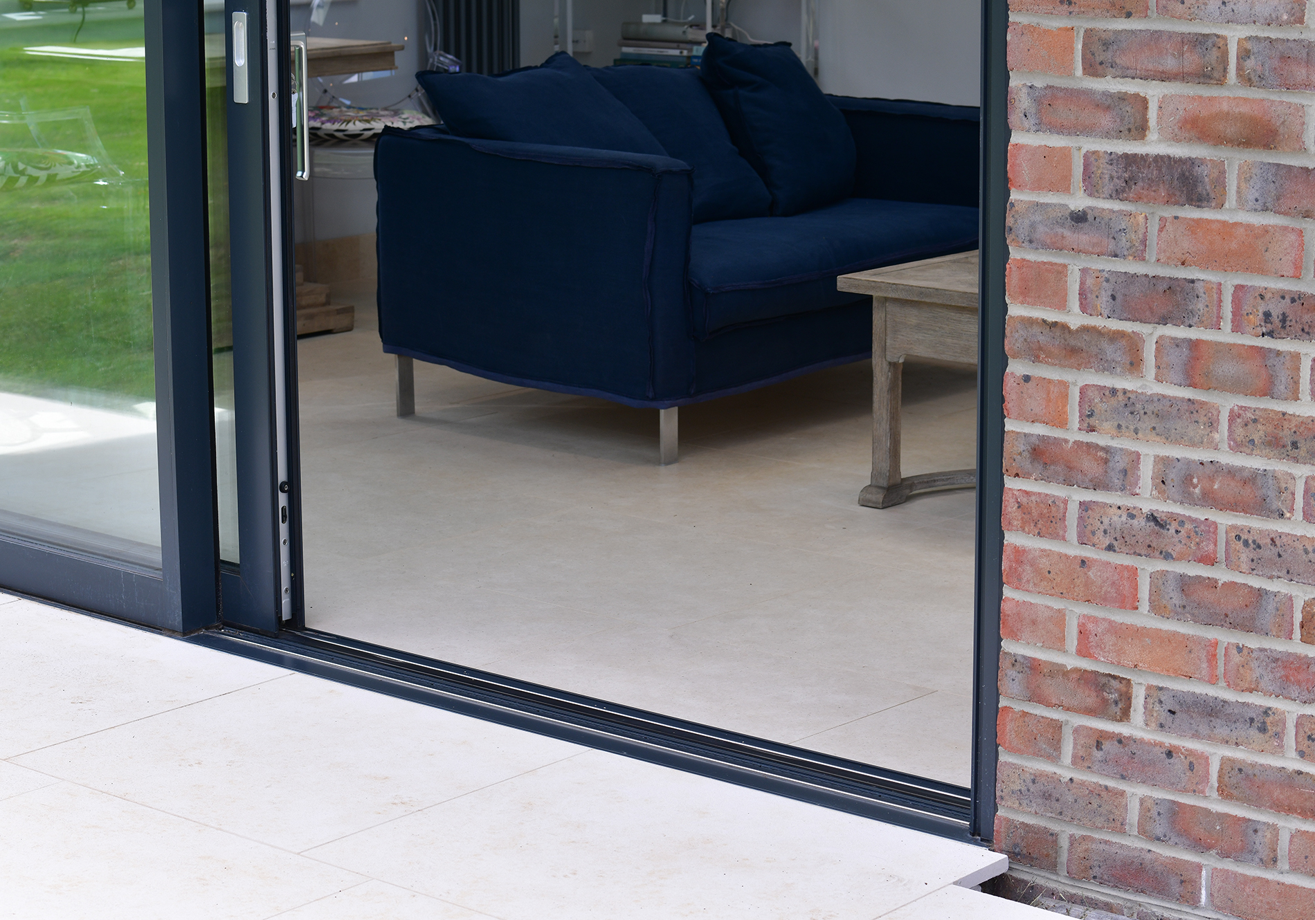 flush threshold finish with glide s sliding door
