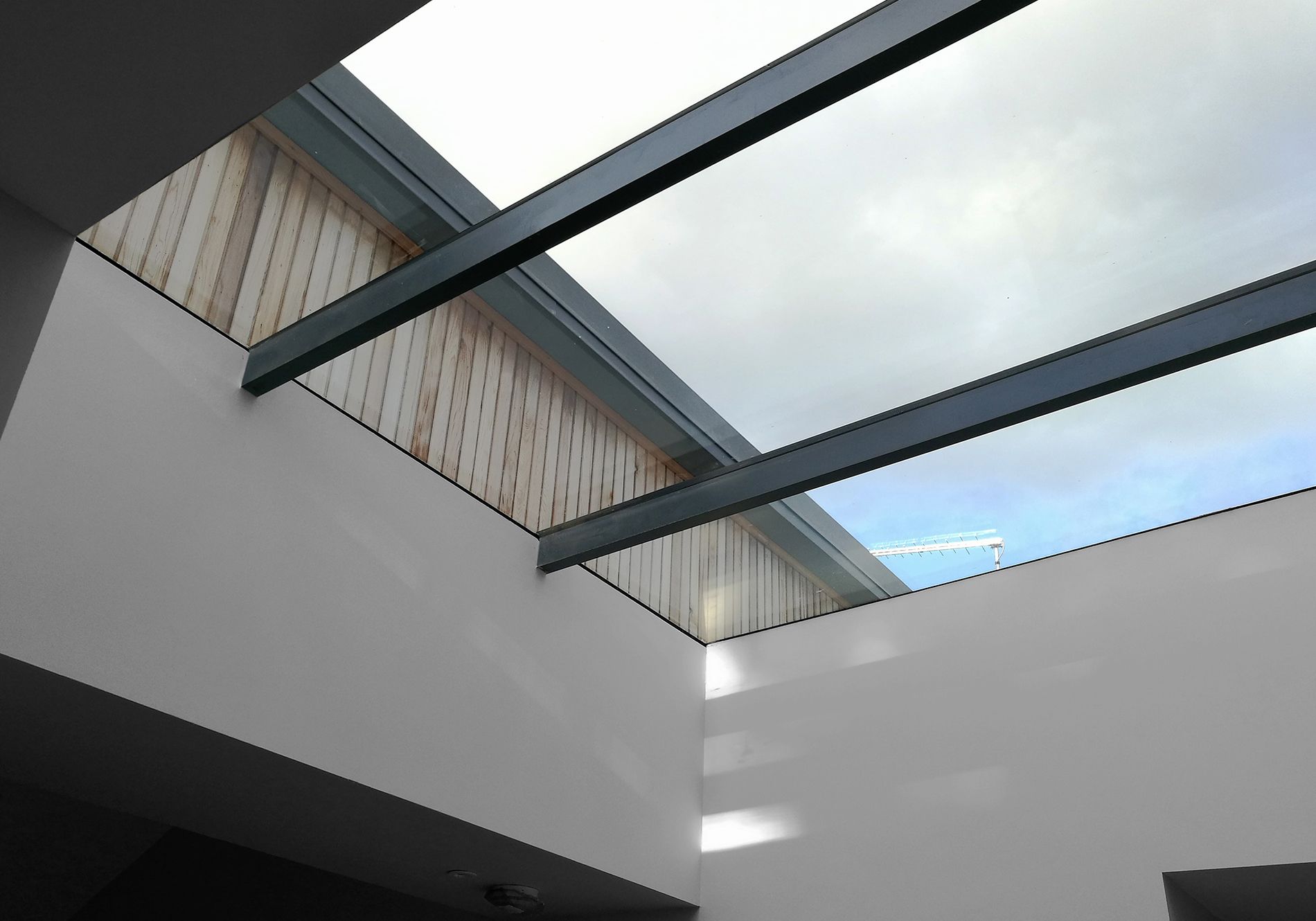 liss exact pure glass flat roof