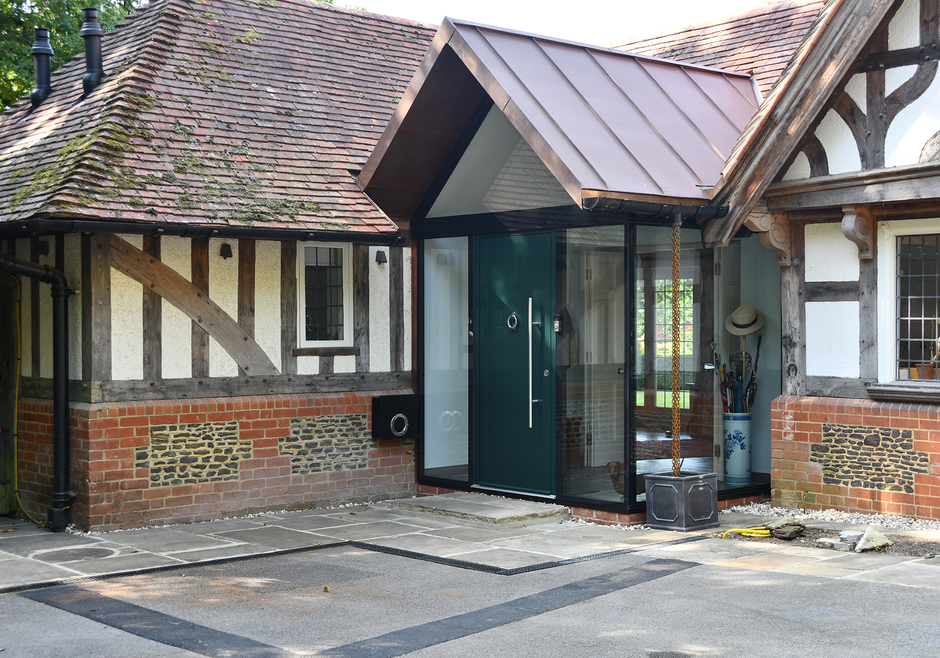 glazed gable and frameless corner porch in Farnham by Exact Architectural GLazing