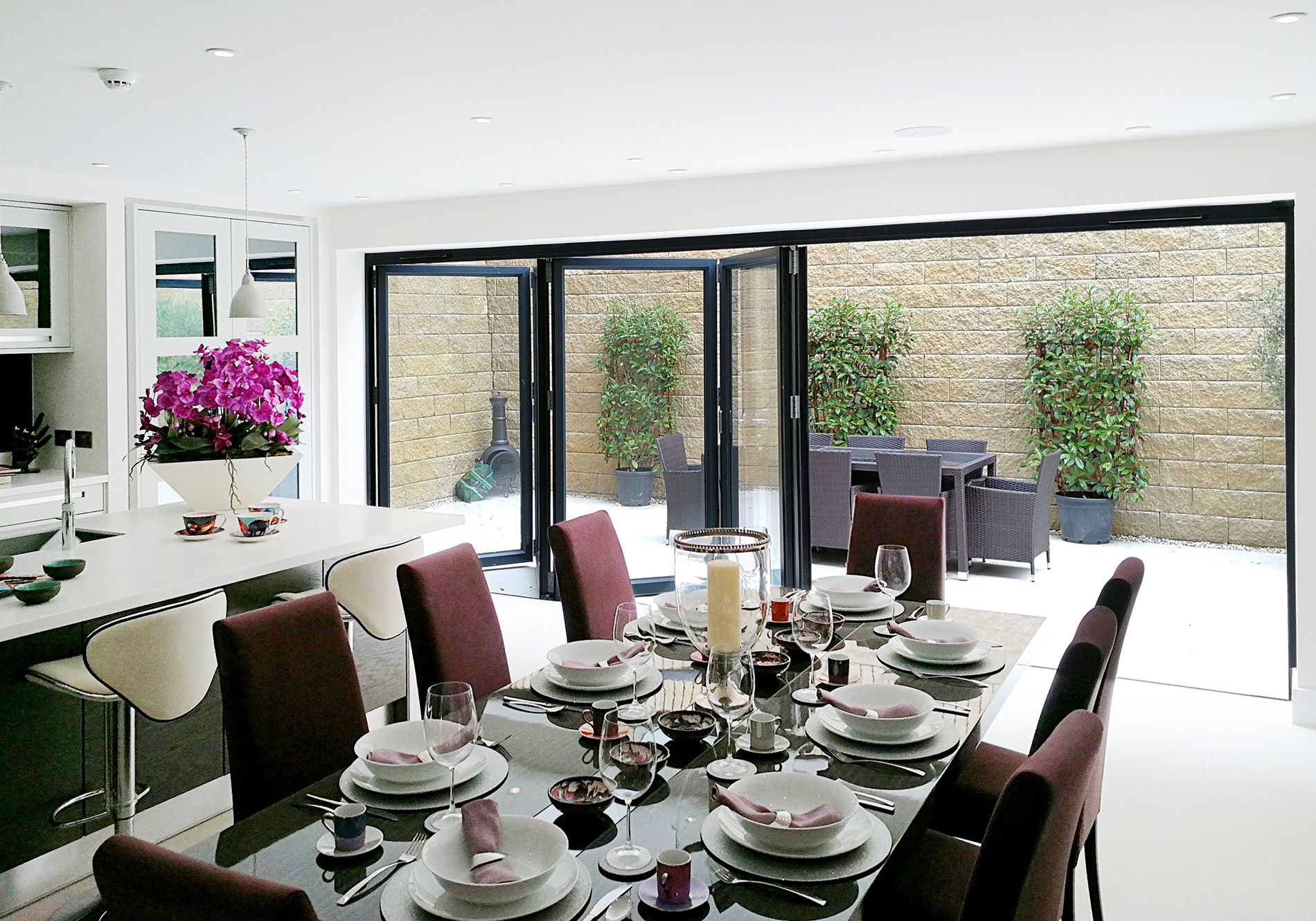 aluminium bifolding door for luxury home